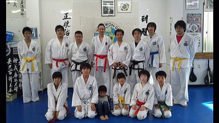 日本剛柔流空手道聖喜館 山本師範 ファラン・テコンドー朴道場を訪問