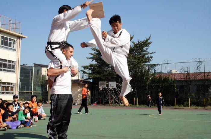 ニューインターナショナルスクール運動会 テコンドー演武